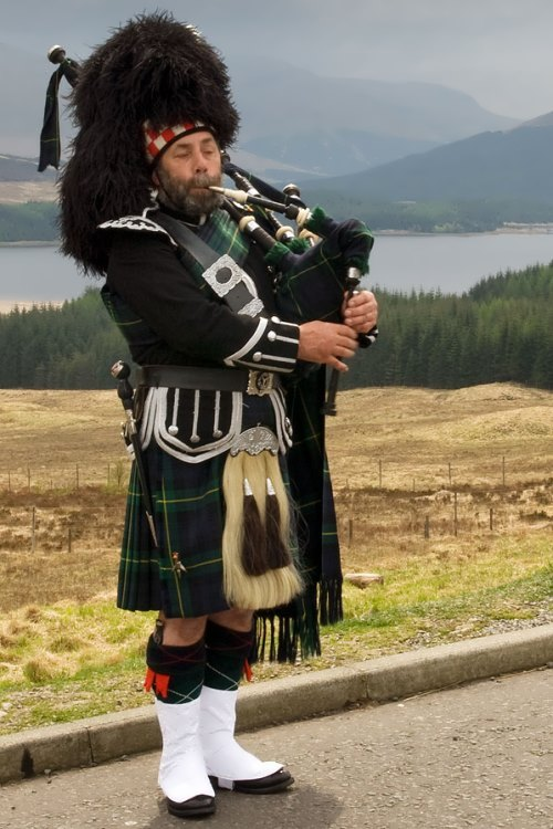 bagpipe and kilt