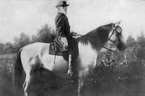 General Robert Lee and his Traveler