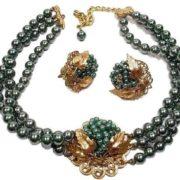 Stunning grape jewelry