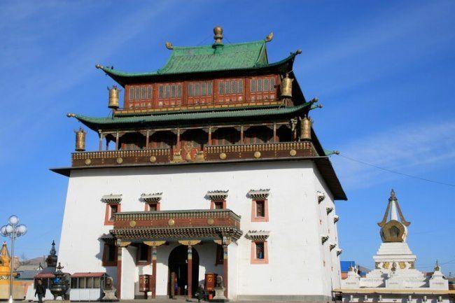 Gandantegchinlen Monastery