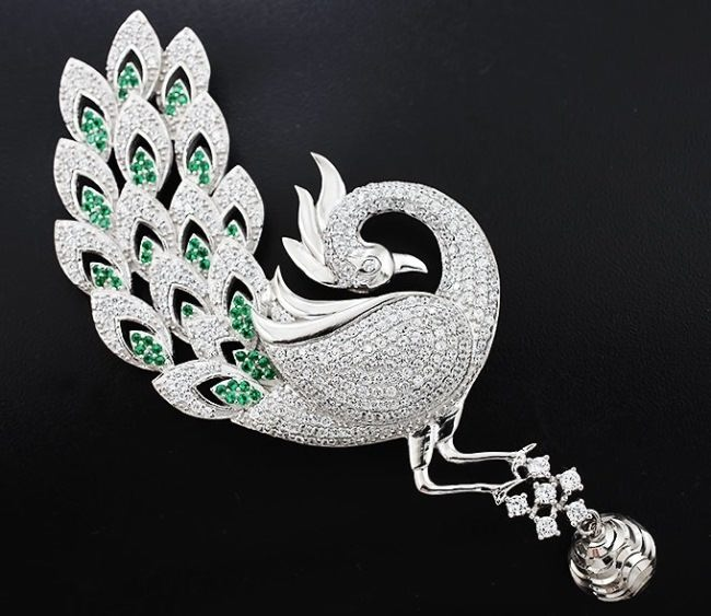 Attractive Brooch Firebird