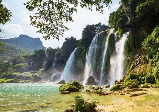Banzek Waterfall, Vietnam