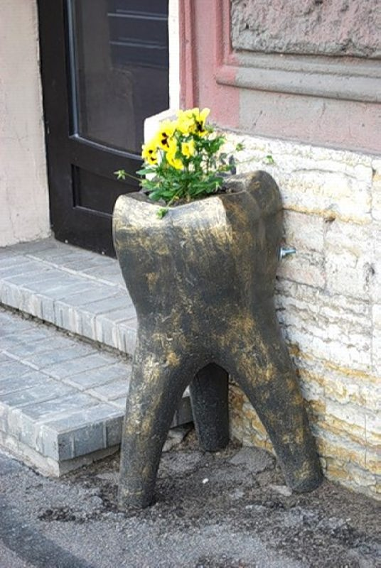 Monument to the molar in St. Petersburg, Russia