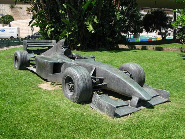 Monument to a car in Monaco