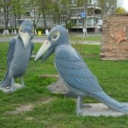 Monument to two crows