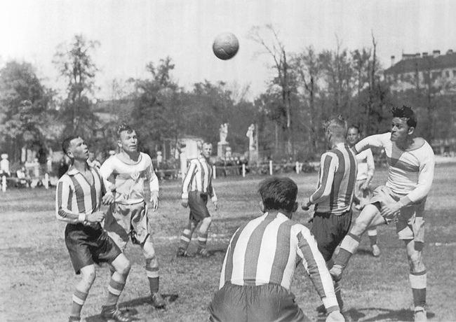 Football match in besieged Leningrad, 05.30.1943
