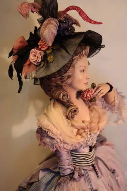 Beautiful doll by talented artist Yu. Sochilina