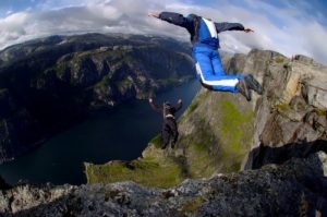 BASE jumping – extreme sport