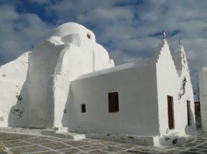 The Church of Panagia Paraportiani was built in 15-17 centuries