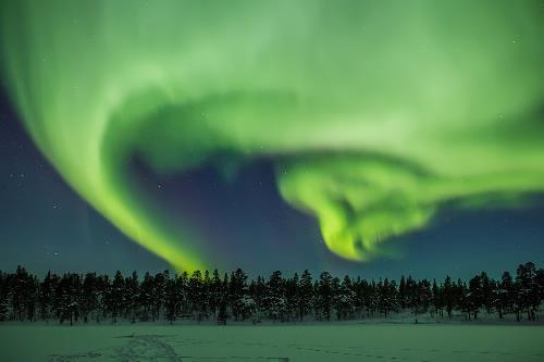 Dancing in the night sky. Photo Emyrum