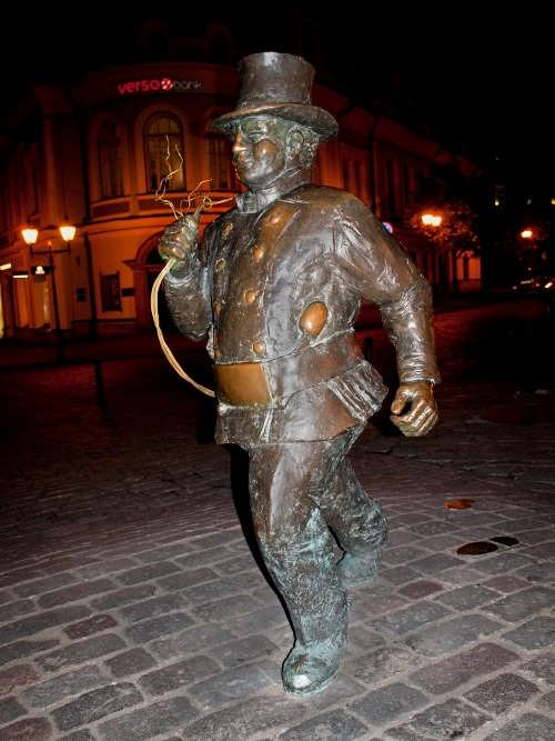 Monument to chimney sweep in Tallinn