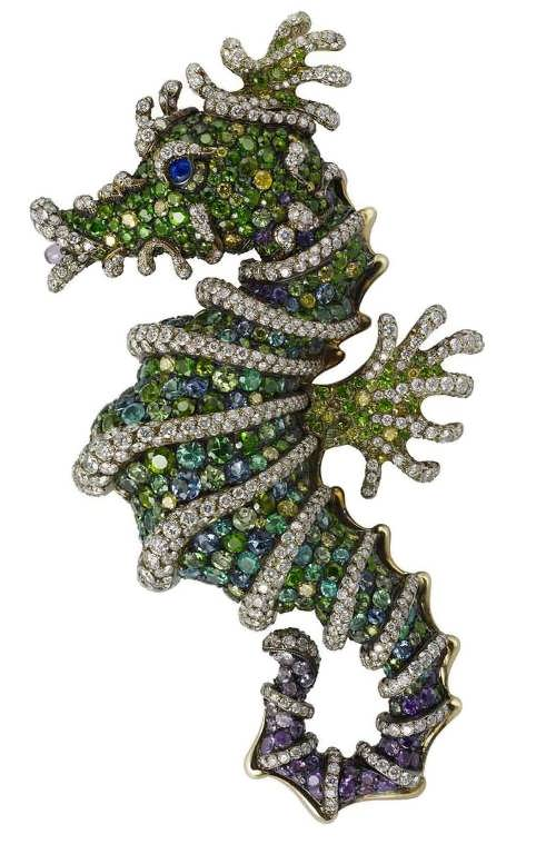 Sea horse brooch