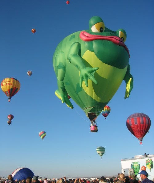 Balloon shaped like a frog