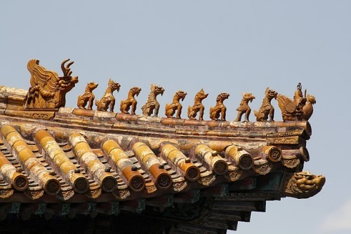 Sculptures on the roof