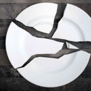 Broken plate by Lucile Soufflet и Bernard Gigouno in La Louviere