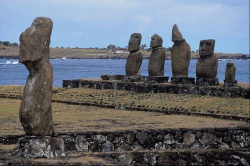 Charming moai