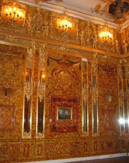 Charming Amber Room