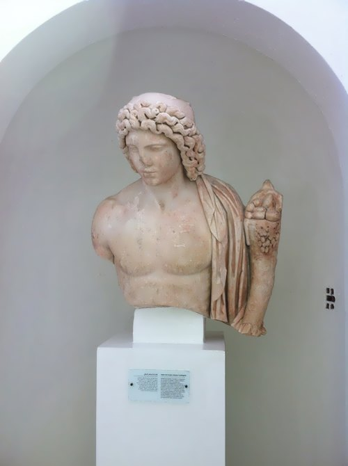 Statue in the museum in Tunis