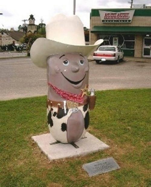 Amazing monument to peanut