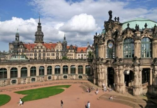 Awesome Zwinger