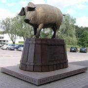 Sculptor Mati Carmine