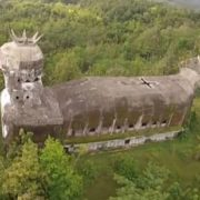 The church in the form of a hen, built by Daniel Alamsjah