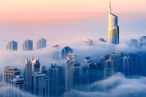 Dubai is in a fog by Sebastian Opitz