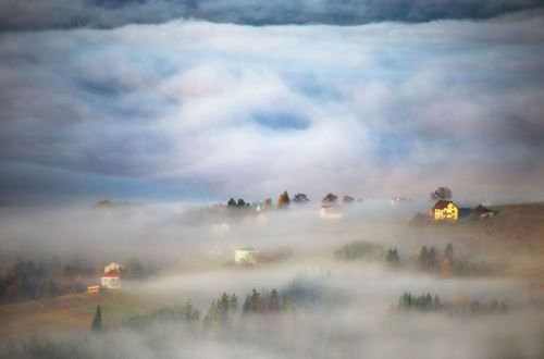 In the autumn valley. Photo Marcin Sobas