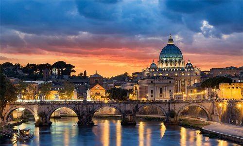 Italy - Tourist's Delight