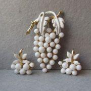 Magnificent grape jewelry