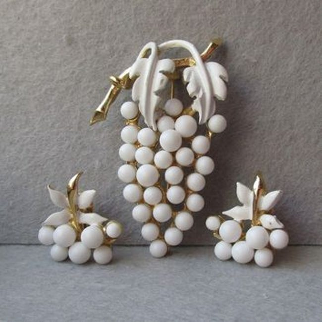 Magnificent grape jewelry