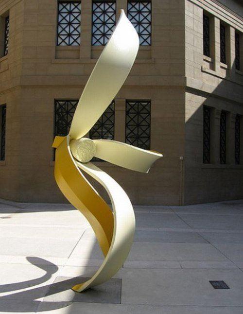Monument to banana peel