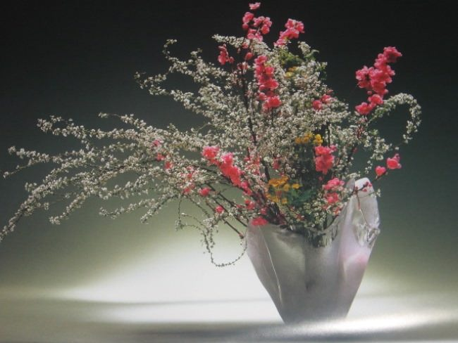 Picturesque ikebana