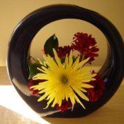 Round ikebana