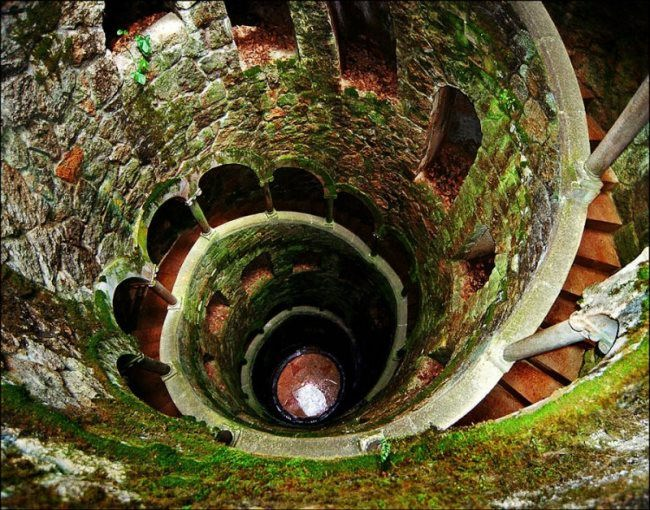 27-meter well in Quinta da Regaleira