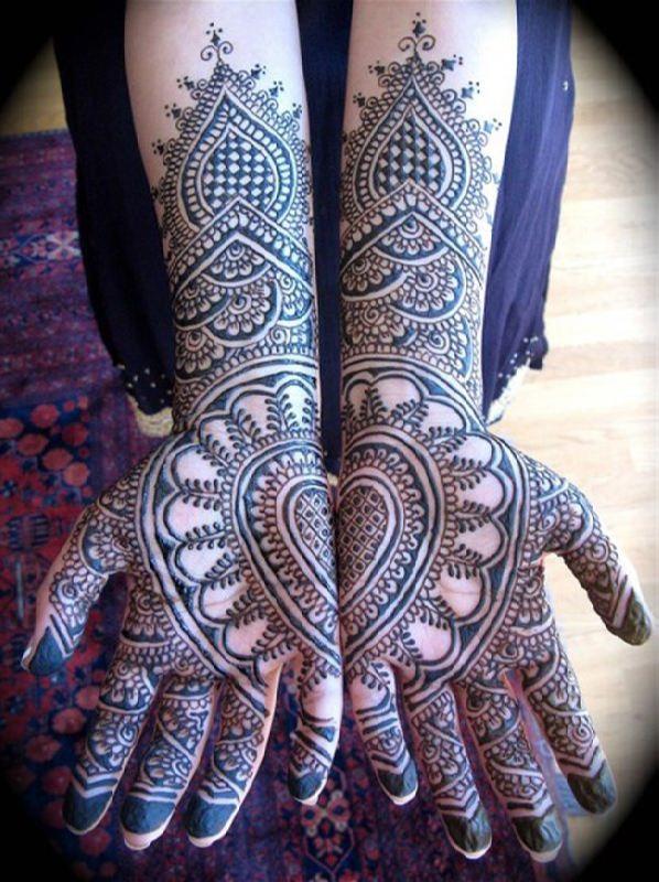Attractive mehndi design