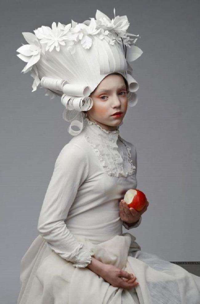 Charming paper wig by Asya Kozina