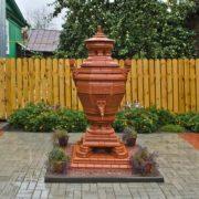 Monument to samovar in Gorodets