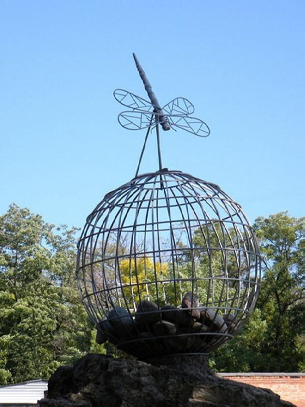 Monument to the dragonfly in Taganrog, Russia
