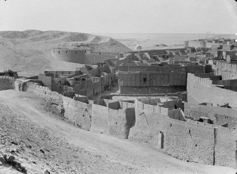 The sacred Shiite city of Najaf is buried in the sand