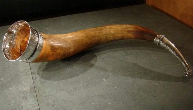 Drinking horn made in the middle of the 16th by master Albert Jacobs Kanter