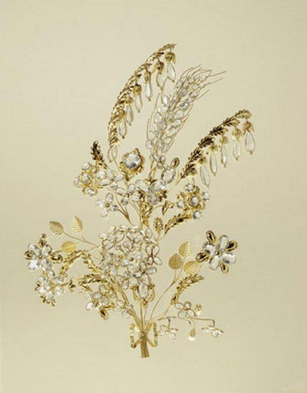 Hair ornament. Gold wire hair ornament