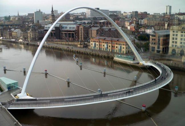 Millennium Bridge in Gateshead, England