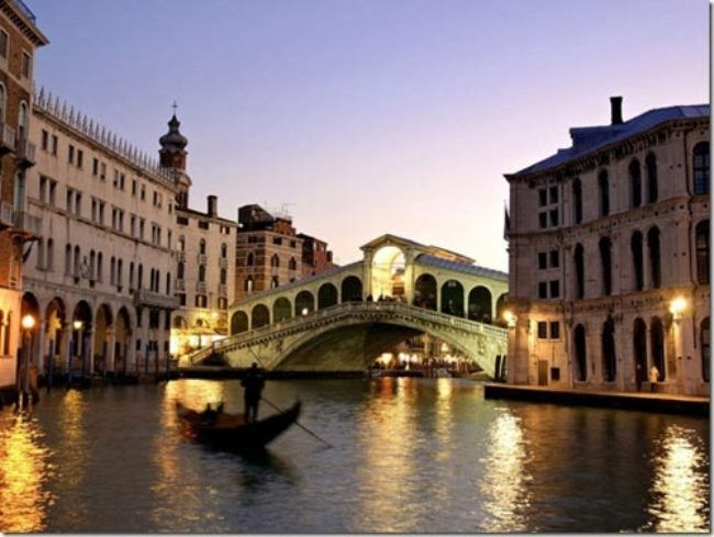 The most famous Venetian bridge is Rialto, the oldest bridge of the city of love