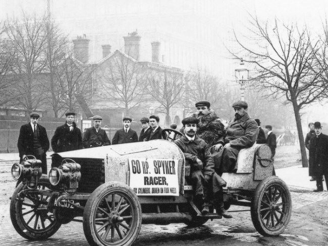 In 1900, Ferdinand Porsche designed an electric car with four driving wheels