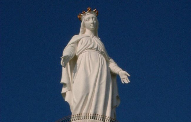 Statue of Our Lady of Lebanon