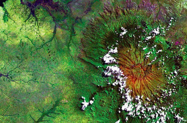 The extinct volcano Elgon on the East African plateau