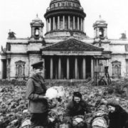 Harvesting cabbage near the St. Isaac's Cathedral in Leningrad. 1942