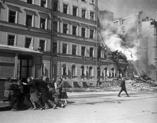 Siege of Leningrad. Pages of history