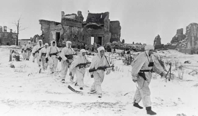 Soviet scouts on the Pulkovo heights. March 1, 1942